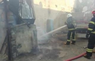 Kahramanmaraş'ta hurda deposunda yangın korkuttu
