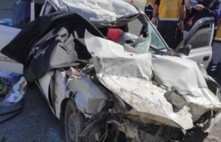 Kahramanmaraş'ta Otomobil Kamyona Çarptı 3 Ölü