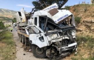 Kahramanmaraş'ta freni patlayan kamyon 3 araca...