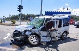 Kahramanmaraş'ta Minibüs İle Hafif Ticari Araç...