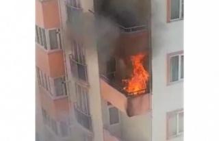 Kahramanmaraş'ta balkon yangını paniğe neden...