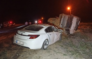Elbistan'da otomobil ile kamyon çarpıştı: 7...