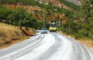 Onikişubat'ta 6 Mahallenin 60 Kilometrelik Yolu...