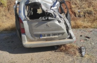 Kahramanmaraş'ta aracıyla toprak zemine çarptı:...