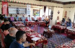 Pazarcık'ta beden eğitimi öğretmenleri bir araya...