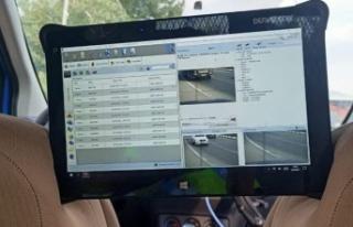 Trafikte cep telefonu kullanan 48 sürücüye 37 bin...