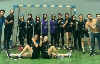 Kahramanmaraş kadınlar hentbol takımı şampiyon...
