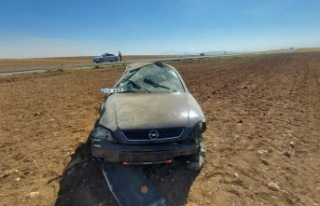 Kahramanmaraş'ta otomobil takla attı: 1'i ağır...