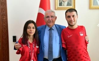 Paralimpik Sporcular Başkan Mahçiçek'i ziyaret etti