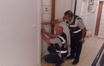 Kahramanmaraş'ta amacı dışında faaliyet gösteren apartlar kapatıldı.