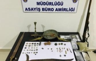 Afşin'de uyuşturucu ve tarihi eser operasyonu