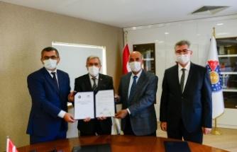 Üniversitemiz, Kahramanmaraş İl Tarım ve Orman Müdürlüğü ve Doğu Akdeniz Geçit Kuşağı Tarımsal Araştırma Enstitüsü Arasında İşbirliği Protokolü İmzalandı
