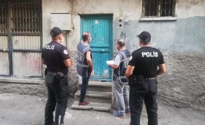 Kahramanmaraş'ta polis, aranan 27 şüpheliyi yakaladı, 21'i tutuklandı