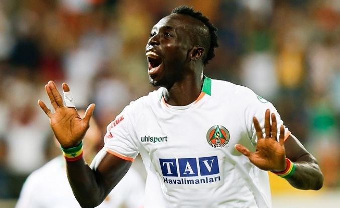 Menajerler Trabzonspor'a transfer için Cisse'yi önerdi