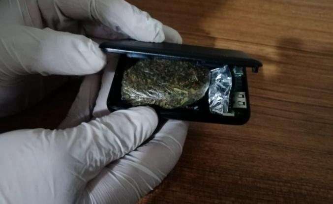 Jandarma ekipleri uyuşturucuyu şarj cihazında buldu