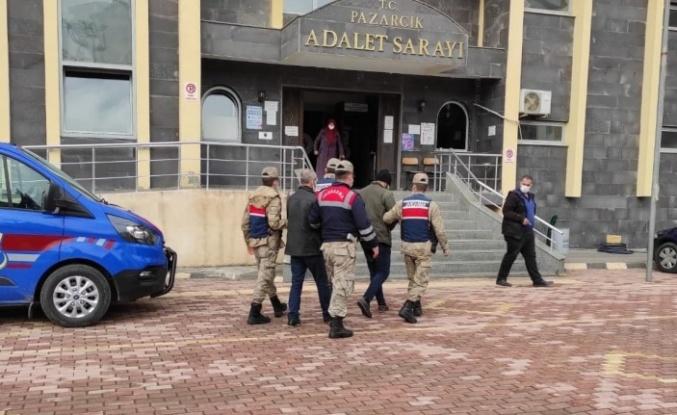 Pazarcık'ta gurbetçilerin evini soyan 2 kişi yakalandı