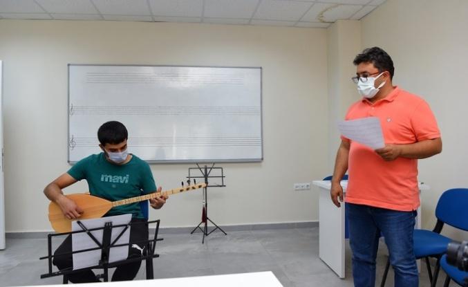 Dulkadiroğlu Gençlik Merkezi Gençlerin İlgi Odağı Oldu