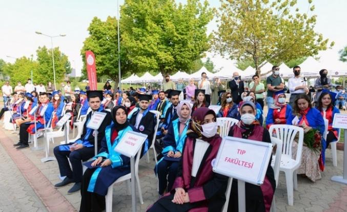 KSÜ 2020-2021 Akademik Yılı Mezunlarını Coşku ile Uğurladı